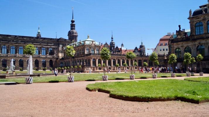 Dresden: Zwinger mit Orangenbäumen