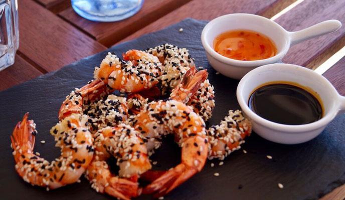 Restaurant Porto das Barcas: Garnelen mit Sesam, japanisch inspired