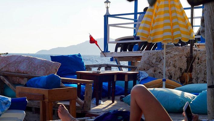 Asmaaltı Cafe & Bar: Lässige Musik & Atmosphäre