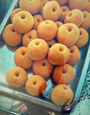 Marzipan-Orangen in einer Pasticceria
