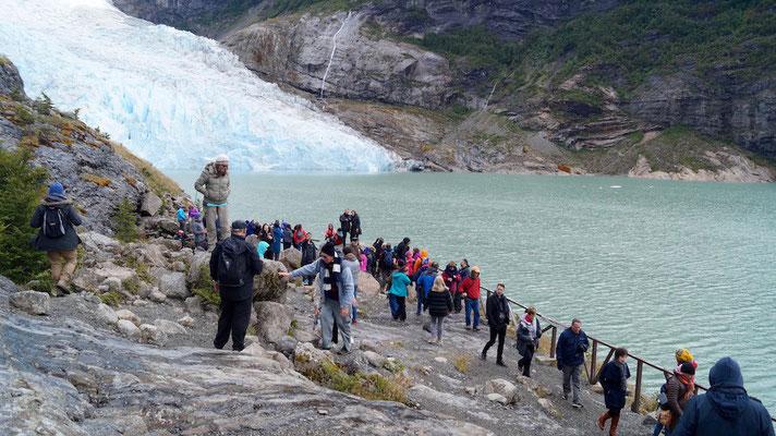 Am Ende des Weges, kurz vor dem kalbenden Serrano-Gletscher.