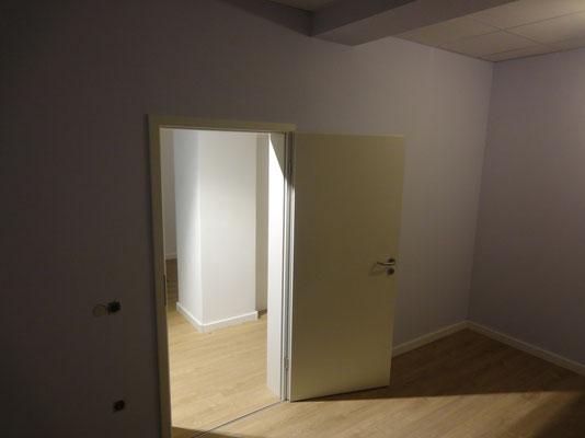 Ruheraum - Boden, Türen, Decke, Wände fertig