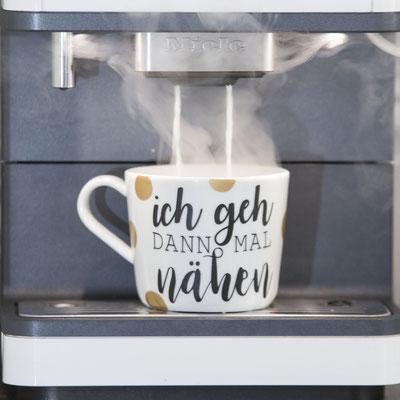 Kaffetassen mit deinem Wunschtext machen doppelt Freude