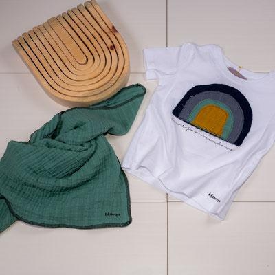 Halstuch aus Musselin ab 15€, T-Shirt ab 15€, Zirbenregenbogen M 39€