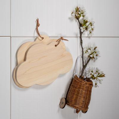 Holzbrett in Wolkenform aus steirischem Pappelholz 19€