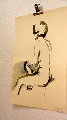 Herrlicher weiblicher Akt, sitzend, in Tusche ....