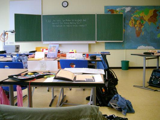 Klassenraum-Stilleben. Foto: Wolfgang Franz (CC BY-SA 2.0)