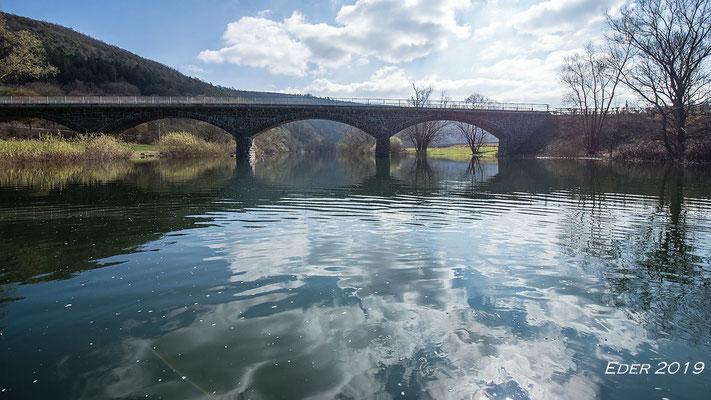 Die Brücke oberhalb, ca. 500m dahinter wurde dann das Wasser zu flach