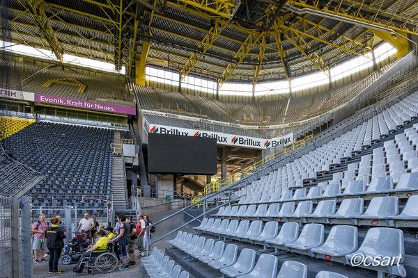 ...angekommen, wow was für ein tolles Stadion...