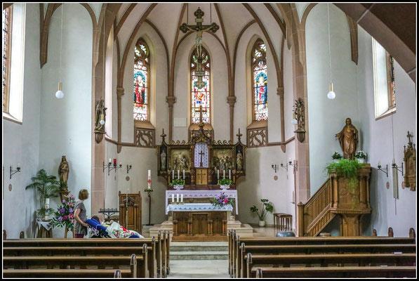 Nach dem Besuch in Hövels Kirche und einem Gebet (...Bitte hilf uns,das der Besuch beim BVB klappt...)