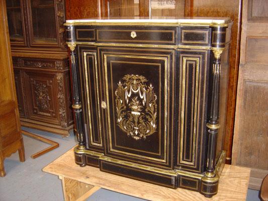 Meuble à hauteur d'appui Napoléon III. Ebénisterie Philippe