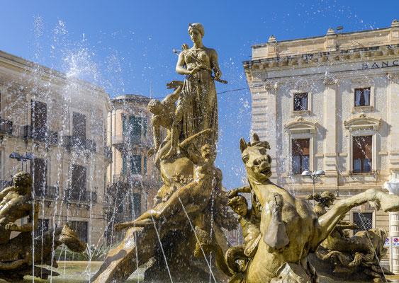 Piazza Archimedes mit Artemisbrunnen, Syracus