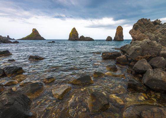 Isole dei ciclopi vor Aci Trezza