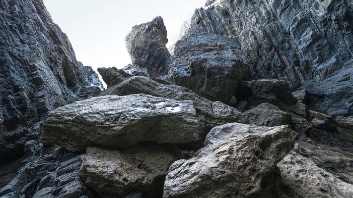 Höhlen in der Bucht Caleta Negra bei Ajuy