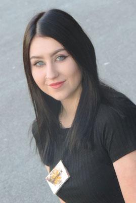Lara Zuberbühler, Salonleitung