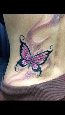 蝶 洋彫り タトゥー