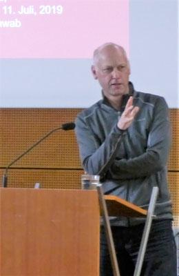 Prof. Dr. Andreas Schwab