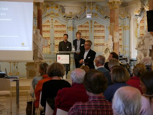 Dr. Bernd Reichelt und Prof. Dr. Thomas Müller vom ZfP, Dr. Jürgen Kniep (Biberach)