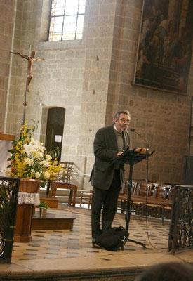 P. Thierry Hénault-Morel pendant son intervention...