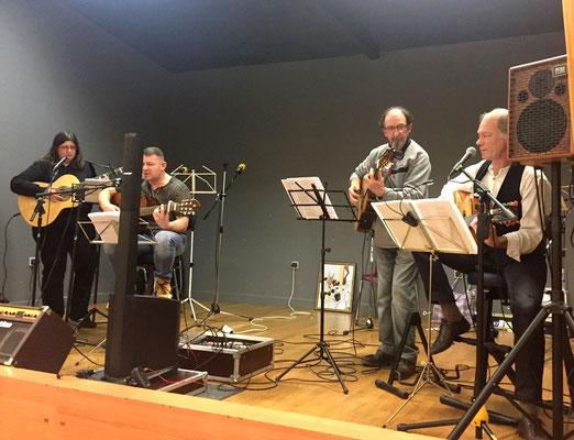 Le groupe Libertad a interprété la chanson composée par Joseph Lulek en l'honneur du P. Emmanuel (voir le texte en téléchargement ci-dessous)
