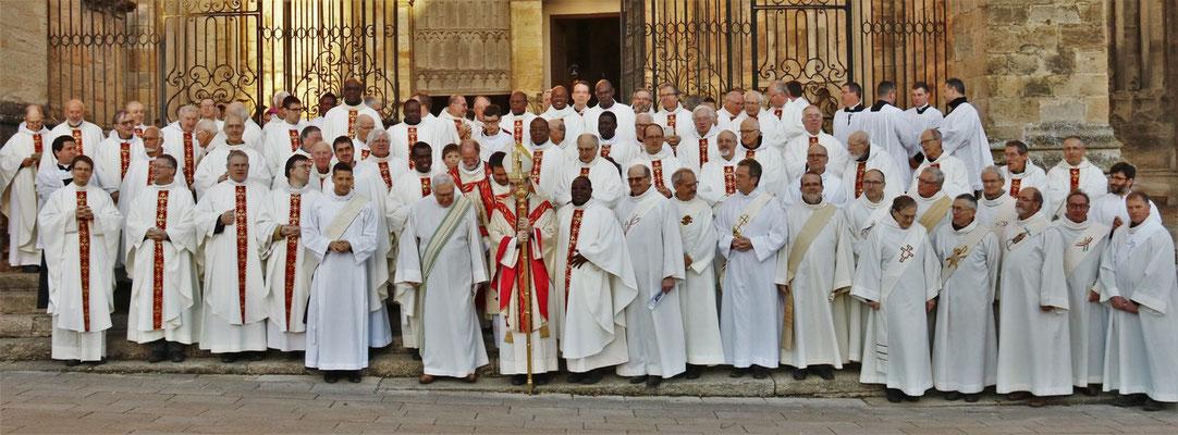 A la sortie de la messe chrismale