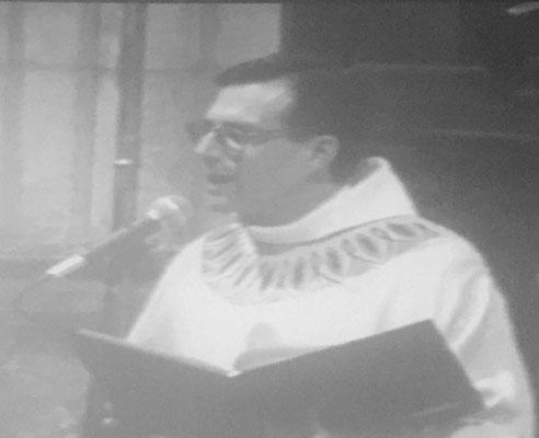 Extrait de la vidéo de l'ordination : présentation par le P. Hénault-Morel