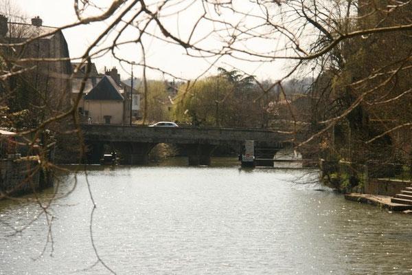 Le pont de la rencontre de Louis et Zélie Martin, vu du Pont Neuf