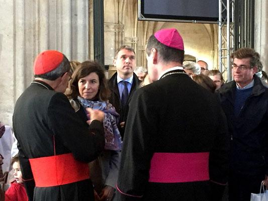 Le cardinal Barbarin et l'évêque avec Mme le Préfet, Isabelle David