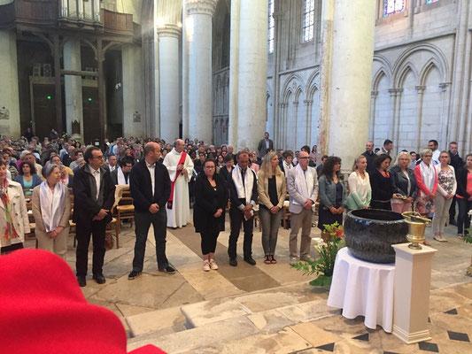 40 adultes du diocèse vont recevoir le sacrement de confirmation ; parmi eux : Jérôme Edon et de Thomas Misslen de notre pôle missionnaire