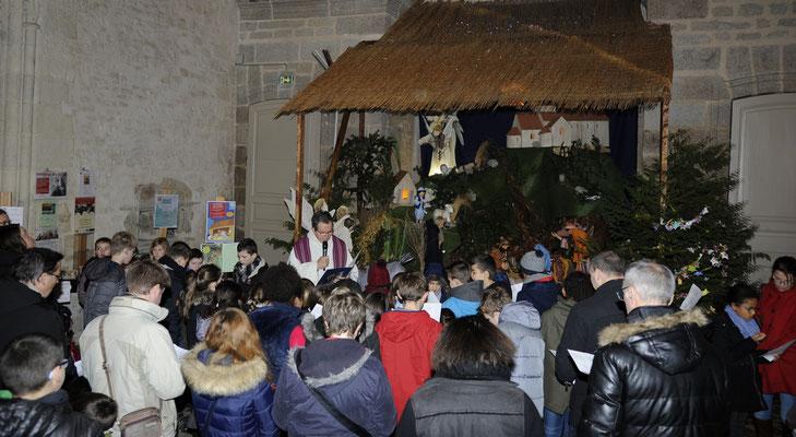 ... la séance de caté s'est terminée devant la crèche de la basilique...