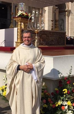 P. Loïc, le reporter spécial pour le site internet de la paroisse