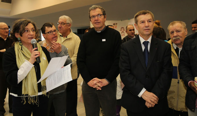 M. le député maire est accueilli par Marie Blin