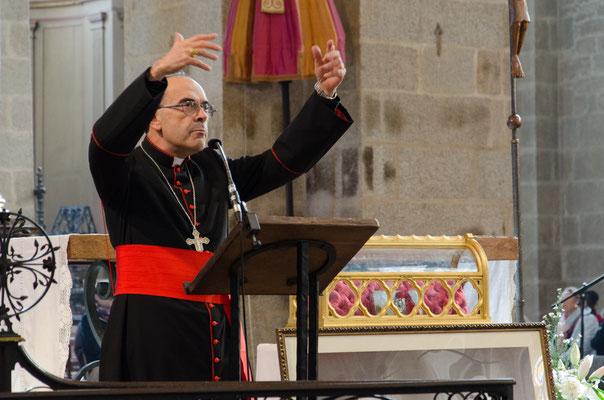 Toujours très expressif, le cardinal Barbarin donnait une conférence...
