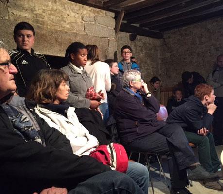 Second témoignage au bois d'Aché à Valframbert l'auditoire est très attentif pour écouter Patrick Follet médecin au centre pénitentiaire de Condé sur Sarthe.