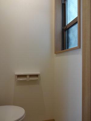 トイレ(ホルダー・窓)