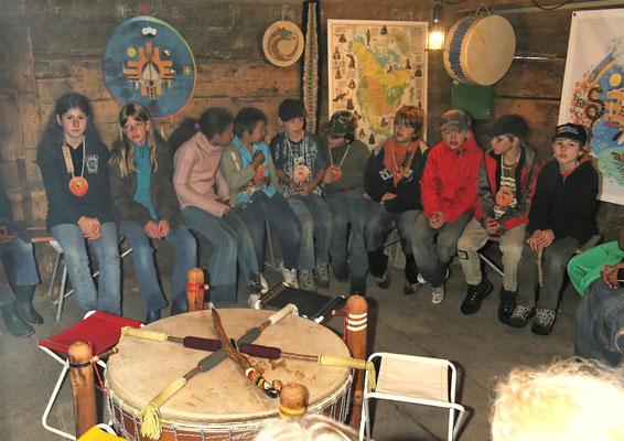 Erstes Treffen zum gemeinsamen Singen und Trommeln