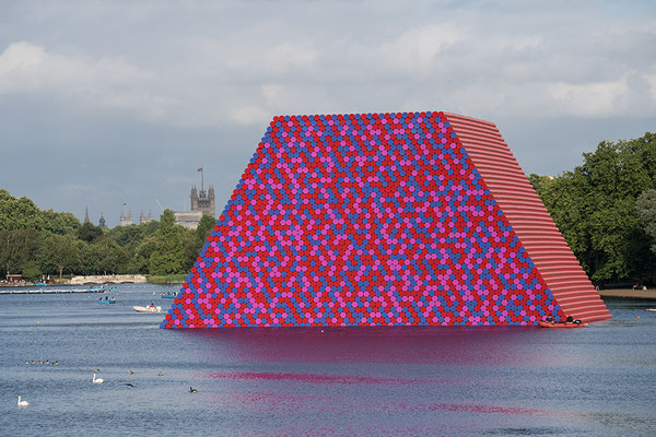 Christo and Jeanne-Claude, The London Mastaba, Serpentine Lake, Hyde Park 2016-18