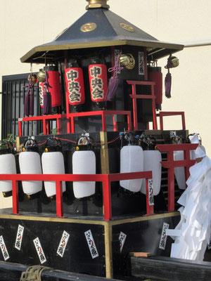 中央会の神輿