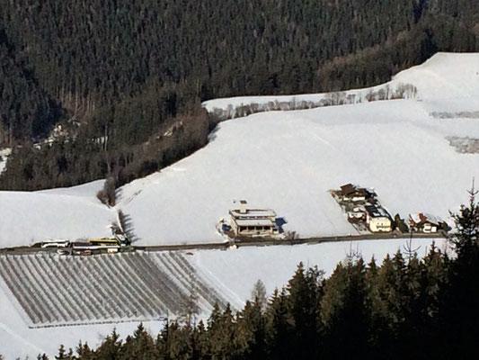Blick vom Hochwald aufs Gerätehaus