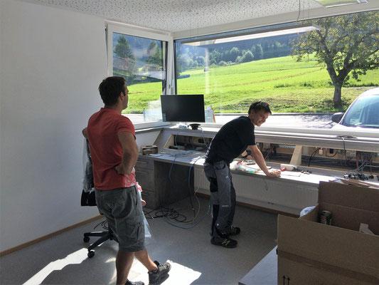 Einbau Funktisch  Georg und Sebastian