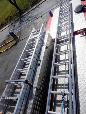 Dach 9m-Ausziehleiter und Steckleiter