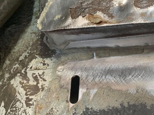 VW T4 - Innerer Kotflügel vorn, richtung Einstieg