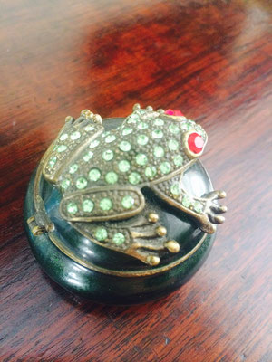 Cute Green Frog (Side View) | Price: $60.00