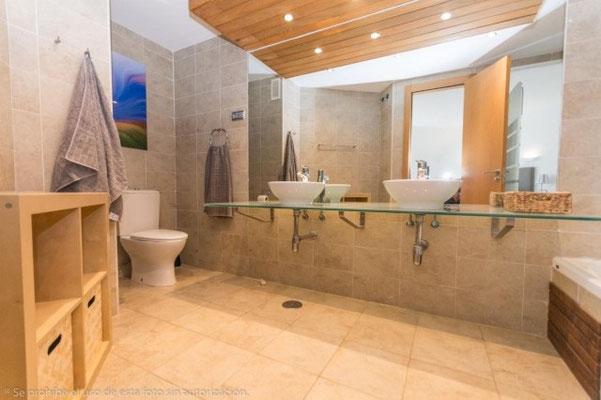 El Higueron Benalmadena Andalusien Badezimmer