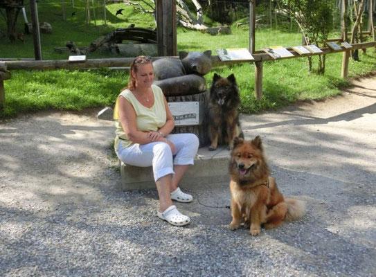 Ronja und Yklvi im Tierpark Herberstein