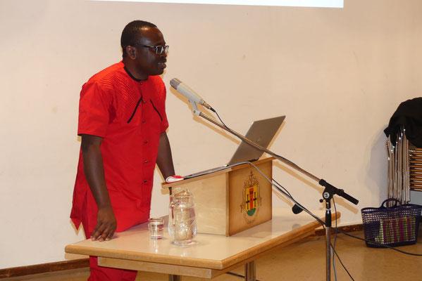 Der Escholzmatter Pfarrer Polycarp Nworie bedankt sich für das Engagement in seiner Heimat Nigeria