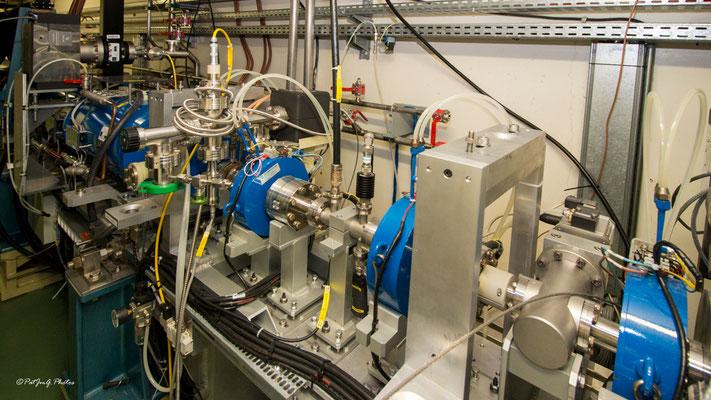 Synchrotron Grenoble - L'anneau inférieur début de la ligne