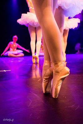 Ecole de danse : Dance attitudes