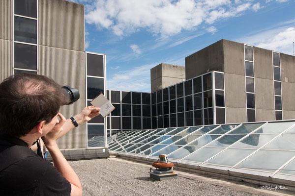 Synchrotron Grenoble - sur le toit avec l'artiste Elyxyak