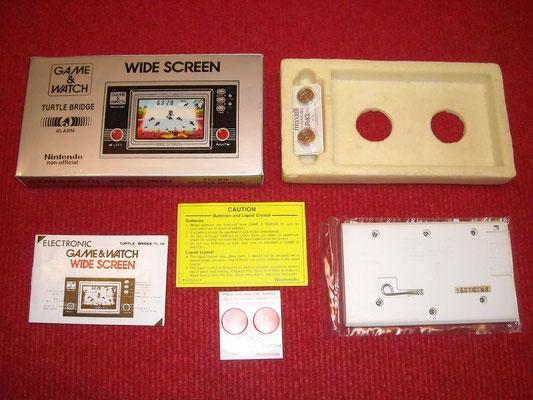 Contenido de la caja de la Game & Watch Turtle Bridge